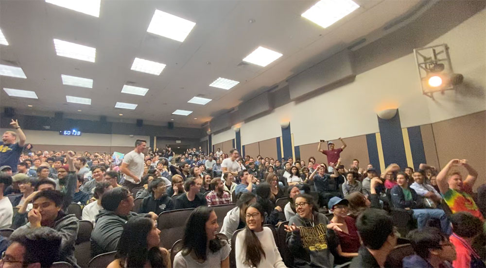 Students attend Vsauce event at UCI campus